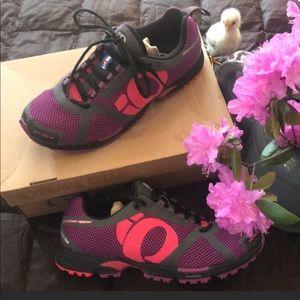 IQ Peak II Trail Race and Train Sneakers size 10